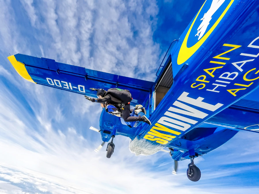 How to Skydive for the First Time pictures